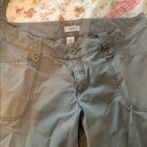 Old Navy Women's Cargo Pants/Capri. Size 12.